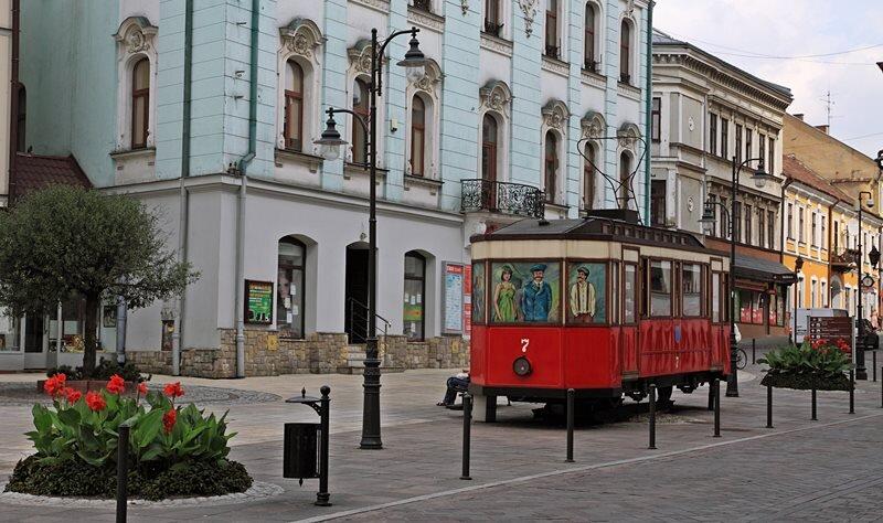 https://www.mojamalopolska.pl/wp-content/uploads/2014/08/cafe-tramwaj-tarnow-2.jpg